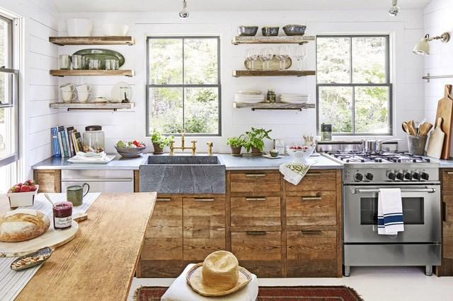 Không gian căn bếp khá gọn gàng